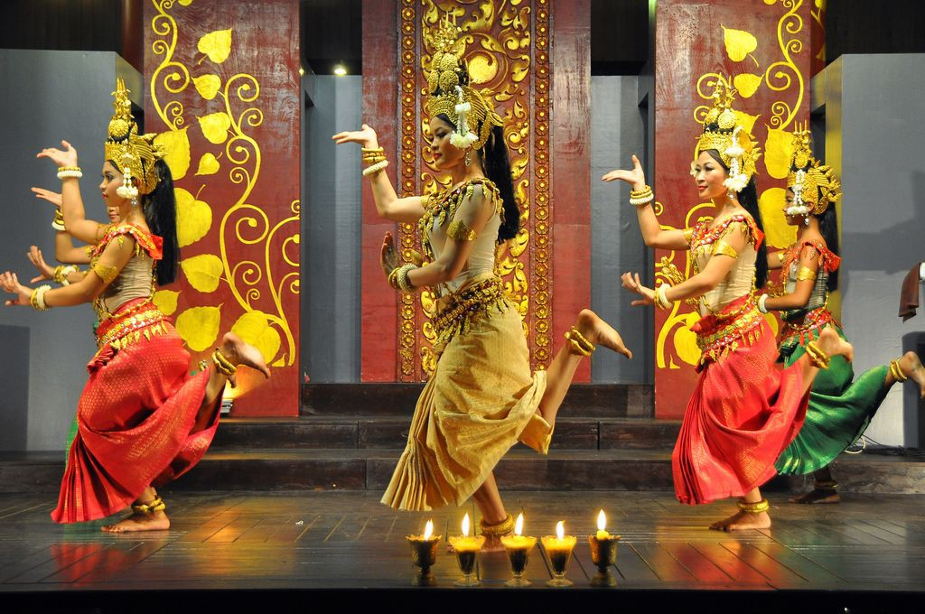 the-culture-night-apsara-dance