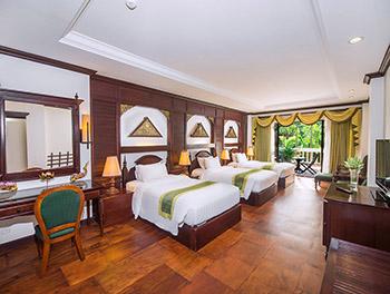 Landmark Triple Room