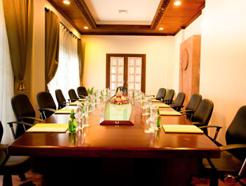 press-room-meeting-at-borei-angkor