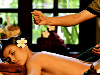 Traditional oil massage at Borei Angkor